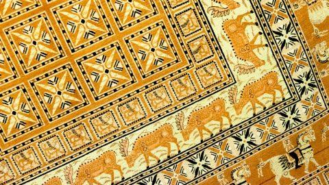 فرشی که در مقبره یخ زده یکی از پادشاهان سکایی کشف شد